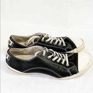 Converse vintage black leather low top sneakers